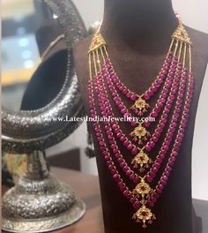 Ruby Drops Satlada - Latest Indian Jewellery Designs Source by simraahmed fashion indian jewellery Ruby Jewelry, Pendant Jewelry, Bridal Jewelry, Gold Jewelry, Beaded Jewelry, Beaded Necklace, Jewelry Necklaces, Indian Jewellery Design, Indian Jewelry