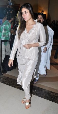 Karishma Kapoor and Kareena Kapoor Without Makeup At Priyanka Chopra's Father Prayer Meeting In JW Marriott, Juhu, Mumbai-2 posing outside in a saree with her Nri boyfriend in a function looking lovely and rumours have already spread that she is ready for marriage now and want to settle in life.