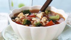 En slik suppe takker alle ja til - Søk Pasta Salad, Salsa, Soup, Meat, Chicken, Dinner, Healthy, Ethnic Recipes, Posts