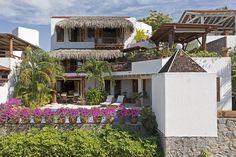Shari Reynolds |   Villa Punta Marina in Zihuatanejo