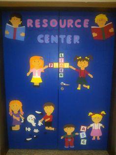 Decoração de porta em E.V.A - crianças
