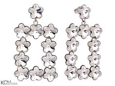 Duże, srebrne kolczyki z prostokątem białych kwiatów Swarovski®