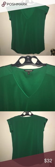 Green express blouse Green express blouse. Bought for work, but never worn. Express Tops Blouses