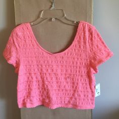 Crop top NWT. Beautiful crop top. Stretchable fabric. Aeropostale Tops Crop Tops