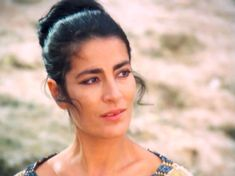 Irene Papas (1926) Irene Papas, Famous People, Hollywood, Ceramics, Beauty, Stars, Actresses, Once Upon A Time, Ceramica