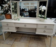 Lovely mahogany Stag Minstrel dressing table. Shabby Chic. For Sale £150. Collection Angmering