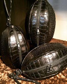 #クロコ  #クロコダイル  #crocodile  #leather #革  #財布 #バッグ  #日本  #東京 #bag  #wallet  #Japan  #Tokyo #madeinJapan  #vermilion  #ヴァーミリオン #design #fashion #life  #style