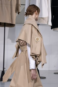 Arab Fashion, Fashion Now, Dope Fashion, Fashion Dresses, Womens Fashion, Fashion Trends, Deconstruction Fashion, Margiela, Contemporary Fashion