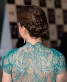 Catherine, Duchess of Cambridge … what a nice dress, color and hairstyle!