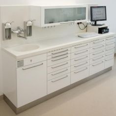 A Middle Section Of Counter With No Under Cabinets So Lab Stool Could Fit It For Extract Prep The Computer Setup Work