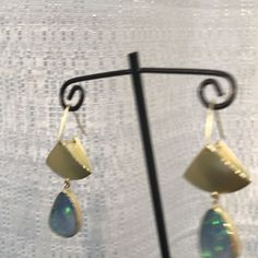 """57 Beğenme, 2 Yorum - Instagram'da Thea Izzi Jewelry Design (@theaizzi): """"Swing time! Opals and 18k gold fan earrings. See them and more at Craft Boston April 21-23 at the…"""""""