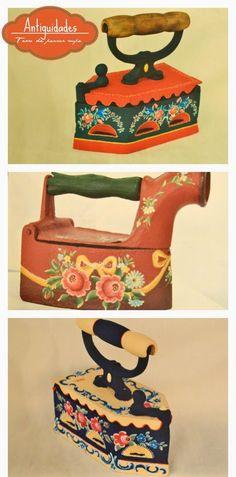 Olá pessoal!!    Os ferros de passar roupa de antigamente são peças que eu e minhas alunas amamos pintar porque além de proteger da corrosão...