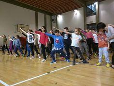 Le scuole del territorio via Bologna in scena con lo spettacolo musicale Connections: incontrirelazionilegami
