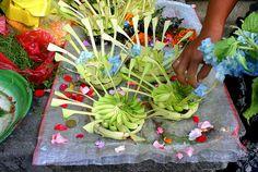 bali offerings Seminyak, by travelling-light, via Flickr