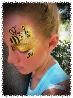 Bee (Honey comb) graffiti design - Katryntjie's Face Art - Bee (Honey comb) graffiti design – Katryntjie's Face Art - Face Painting Tips, Girl Face Painting, Face Painting Designs, Body Painting, Bee Face Paint, Face Paint Makeup, Graffiti Designs, Pregnant Belly Painting, Pregnancy Art