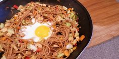 Chow Mein, Chow Chow, Garlic, Cooking Recipes, Ethnic Recipes, Food, Food Recipes, Meals, Recipes