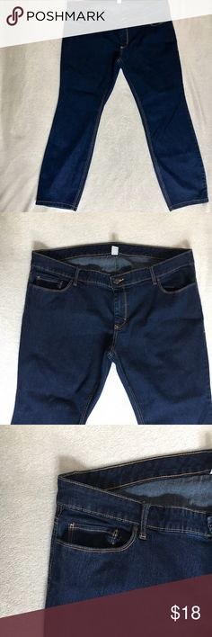 """Old Navy Jeans 20 SHORT Reposh- jeans were gently worn- there are no signs of fading. Has quite a bit of stretch- measurements are as follow....WAIST 19""""+ stretch.  RISE 9 1/2.   HIPS 22+stretch   INSEAM 28"""" and LEG OPENING 7"""". If you have any other questions, please don't hesitate to ask! :) Old Navy Jeans Straight Leg"""