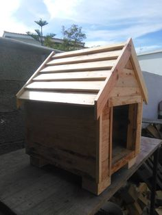 Build a Dog House from #Pallets   99 Pallets