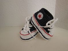Ravelry: Crochet Baby Converse pattern by Suzanne Resaul