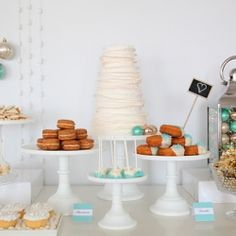 The most perfect dessert table for a Christmas Wedding!