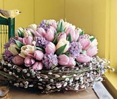 Shared by Cris Figueiredo. Find images and videos on We Heart It - the app to get lost in what you love. Easter Flower Arrangements, Easter Flowers, Beautiful Flower Arrangements, Spring Flowers, Floral Arrangements, Arte Floral, Deco Table, Decoration Table, Floral Centerpieces