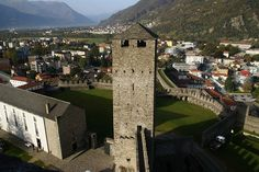 Schweiz: Bellinzona, via Flickr.