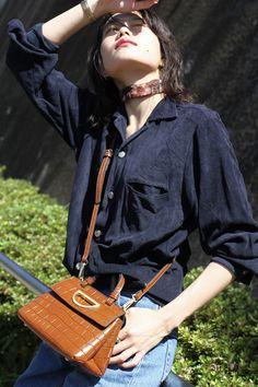 山本 奈衣瑠 Ootd Fashion, Fasion, Womens Fashion, Camisa Vintage, Model Face, Dr. Martens, Singer, Poses, Street Style