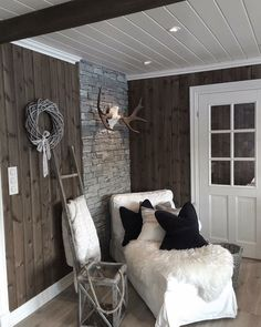 Trendy Ideas Home Office Rustic Modern Floors Cabin Homes, Log Homes, Interior Exterior, Interior Design, Cottage Shabby Chic, Cabins And Cottages, Cozy Room, Cottage Interiors, Living Room Remodel