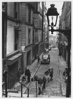 Rue Julien Lacroix, Ménilmontant, Robert Doisneau, 1957