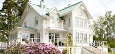 Bredda Ludvigs befintliga kupa och göra balkong till vänster om den - över punchverandan Läcker villa från Fiskarhedenvillan