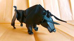 Toro de Stephan Weber, plegado por mi en papel elefante de 35x35 mm. primer intento