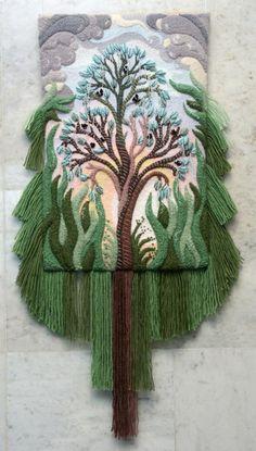 Nature inspired Three-dimensional non-woven tapestry by Armenian artist Yuri Hovsepian Weaving Projects, Weaving Art, Loom Weaving, Tapestry Weaving, Art Fibres Textiles, Textile Fiber Art, Art Au Crochet, Freeform Crochet, Crochet Edgings