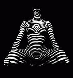 Stripes of light can abstract, but the female form still reveals it's deep power. Check out my portfolio books of nudes publishe. 1212 Zebra Striped Woman in Window Blind Light Light And Shadow Photography, Nude Photography, Op Art, Light Painting, Body Painting, Atelier Photo, Shadow Art, Erotic Art, Lights