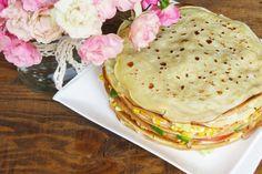 receta-torta-panqueques-fria-palta-tomate-choclo-lechuga-jamon-cherrytomate-06 Queso Fresco, Salmon Burgers, Veggies, Breakfast, Ethnic Recipes, Food, Savory Pancakes, Veggie Omelette, Liqueurs