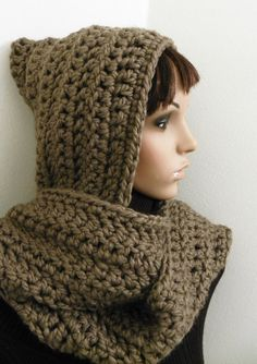 Crochet Hooded scarf - I likey! Crochet Hooded Scarf, Crochet Hoodie, Knit Or Crochet, Cute Crochet, Crochet Scarves, Crochet Shawl, Crochet Crafts, Yarn Crafts, Crochet Clothes