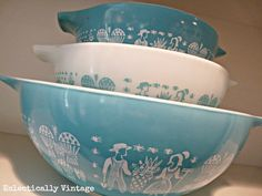 How to display Vintage Pyrex bowls
