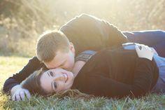 Spring pregnancy photo session sun lensflare kiss  www.facebook.com/francafotography