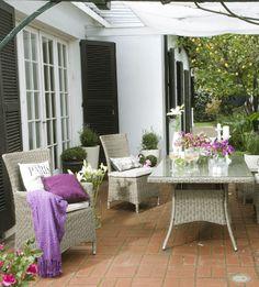 La elección del mobiliario es fundamental para armar tu jardín. También los colores de los accesorios deben combinar para que todo fluya a la perfección. Participa en #MiJardinPerfecto, pineando esta foto en tu board. #Primavera #Deco #Terraza # #Hogar #easychile #easytienda #easy #Concurso #Jardin
