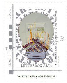 """Timbre LetterboxArt©: Boîte aux lettres """"Foyer Lux"""" à Saint-Martin-d'Abbat."""