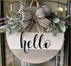 Wooden Door Signs, Diy Wood Signs, Wooden Door Hangers, Wooden Doors, Welcome Door Signs, Front Door Signs, Front Door Decor, Wood Wreath, Wood Circles