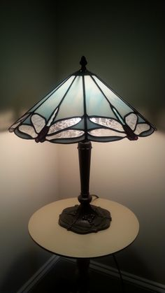 Stained Glass Lamp Patterns – Home Ideas - All For House İdeas Stained Glass Mosaic, Lamp, Stained Glass Table Lamps, Stained Glass Light, Tiffany Glass, Stained Glass Lamp Shades, Tiffany Stained Glass Windows, Stained Glass Lamps, Glass Lighting