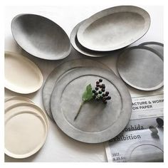 うつわとの出会いは、一期一会です。ぜひ、吉田さんのうつわを手に取ってみてください。きっと、おうちに連れて帰りたくなってしまいますよ♪ Ceramic Tableware, Ceramic Clay, Ceramic Bowls, Ceramic Pottery, Stoneware, Japanese Porcelain, Japanese Pottery, Kitchen Items, Kitchen Decor