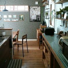 macaさんの、Kitchen,DIY,インダストリアル,男前,壁紙はりかえ,コンクリート風壁紙,タイル風の壁紙,塩ビ管DIY,ブログよかったら見てみて下さい♩についての部屋写真