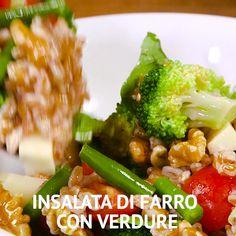 INSALATA DI FARRO CON VERDURE: un piatto leggero, completo, ricco e, soprattutto fresco. Perfetto per la stagione calda. Provala subito! #insalata #farro #verdure #vegetable #spelled #salad #secondo #primo #piatto #estate #summer #light #easy #recipe #ricetta #facile #veloce #giallozafferano [Easy italian spelled and vegetable salad recipe] Farro Recipes, Healthy Chicken Recipes, Quick Recipes, Light Recipes, Easy Healthy Recipes, Summer Recipes, Vegetarian Recipes, Cooking Recipes, Soul Food
