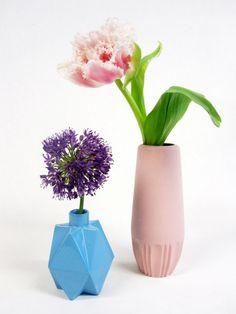 LENNEKE WISPELWEY, VASES: star vase on left, thin vase on right.