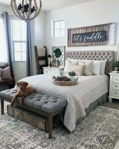 Newest Farmhouse Master Bedroom Design Ideas That Looks Cool Farmhouse Style Bedrooms, Farmhouse Master Bedroom, Master Bedroom Makeover, Home Bedroom, Farmhouse Decor, Modern Farmhouse, Farmhouse Ideas, Decor For Master Bedroom, Bedroom Black