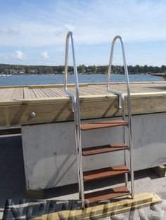 Badetrapp rustfri med  4-8 trinn i hardwood