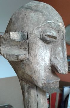 THIS IS A MISTERY ANTIQUE AFRICAN STATUE FROM BAMANA BAMBARA PEOPLE IS VERY IMPRESSIVE AND OF A APPROXIMATE AGE END XIX or FIRST XX CENTURY 63 CM HEIGHT AND MAYBE MASTERS OF SEGOU WORKSHIP The Master of the Raptor Profile AS DESCRIPT by EZIO BASSANI , FROM MY PERSONAL COLLECTION , COMMENTS & REQUESTS ARE WELCOME