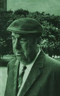 Neruda - side by side bilingual version of poems. Some works recited by native Spanish speakers (Spain).