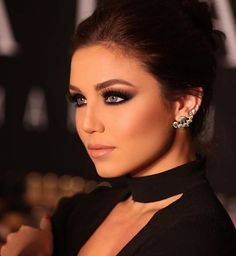 The choices are practically limitless when thinking of incorporating kajal into different eye makeup styles. Glam Makeup, Flawless Makeup, Bridal Makeup, Wedding Makeup, Makeup Tips, Face Makeup, Makeup Ideas, Hair Wedding, Maquillaje Smokey Eyes